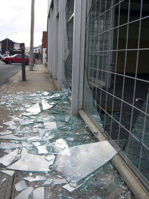 emergency glass repair services